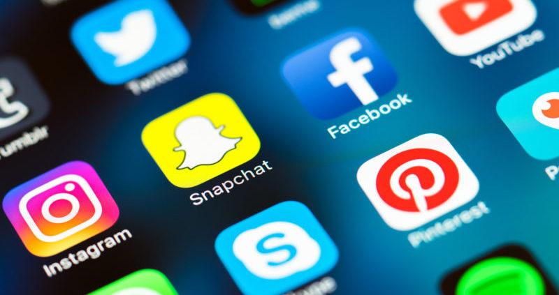 use social media to grow business